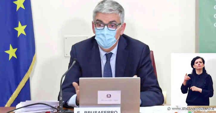 """Covid, Brusaferro: """"Curva dei contagiati è evidente nei non vaccinati e quasi non percepibile negli immunizzati con due dosi"""""""