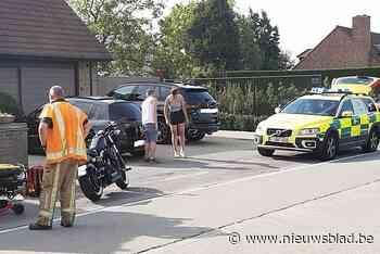 Motorrijder en passagier ernstig gewond na aanrijding