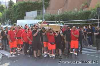 VELLETRI - Commozione ai funerali di Matteo Candidi: palloncini giallorossi e corteo fino al Cimitero - Castelli Notizie
