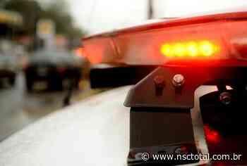 Ladrão é reconhecido durante assalto em Indaial, desiste do crime e diz que foi brincadeira   NSC T - NSC Total