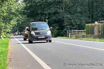 Veilige fietspaden langs Putsesteenweg, maar nog niet voor morgen - Het Nieuwsblad