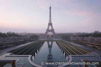 France requires COVID pass for Eiffel Tower, tourist venues - Cranbrook Townsman