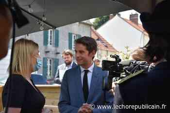 """Gabriel Attal en visite à Jouars-Pontchartrain (sud-Yvelines) : """"Grâce au pass sanitaire, les restaurants et bars seront des sanctuaires, des lieux protégés"""" - Jouars-Pontchartrain (78760) - Echo Républicain"""