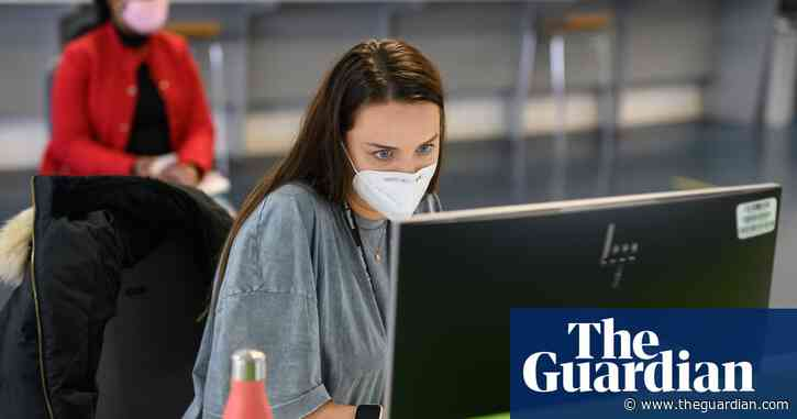 Vaccinate all UK university students by September, says union