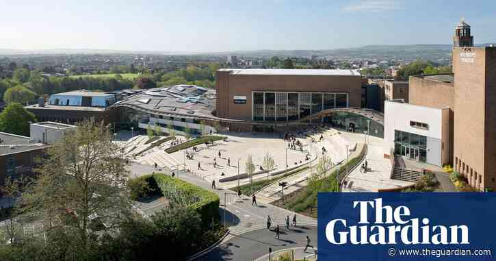 Exeter University offers medical students £10,000 to defer