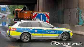 Polizeiauto-Imitation: Autofahrer rasen mit Blaulicht auf der Autobahn - Nordbayern.de