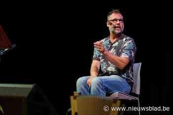 """Wim Claeys oefent zijn 'Queens': """"Ik zou mijn dochters nooit belachelijk maken op het podium"""""""