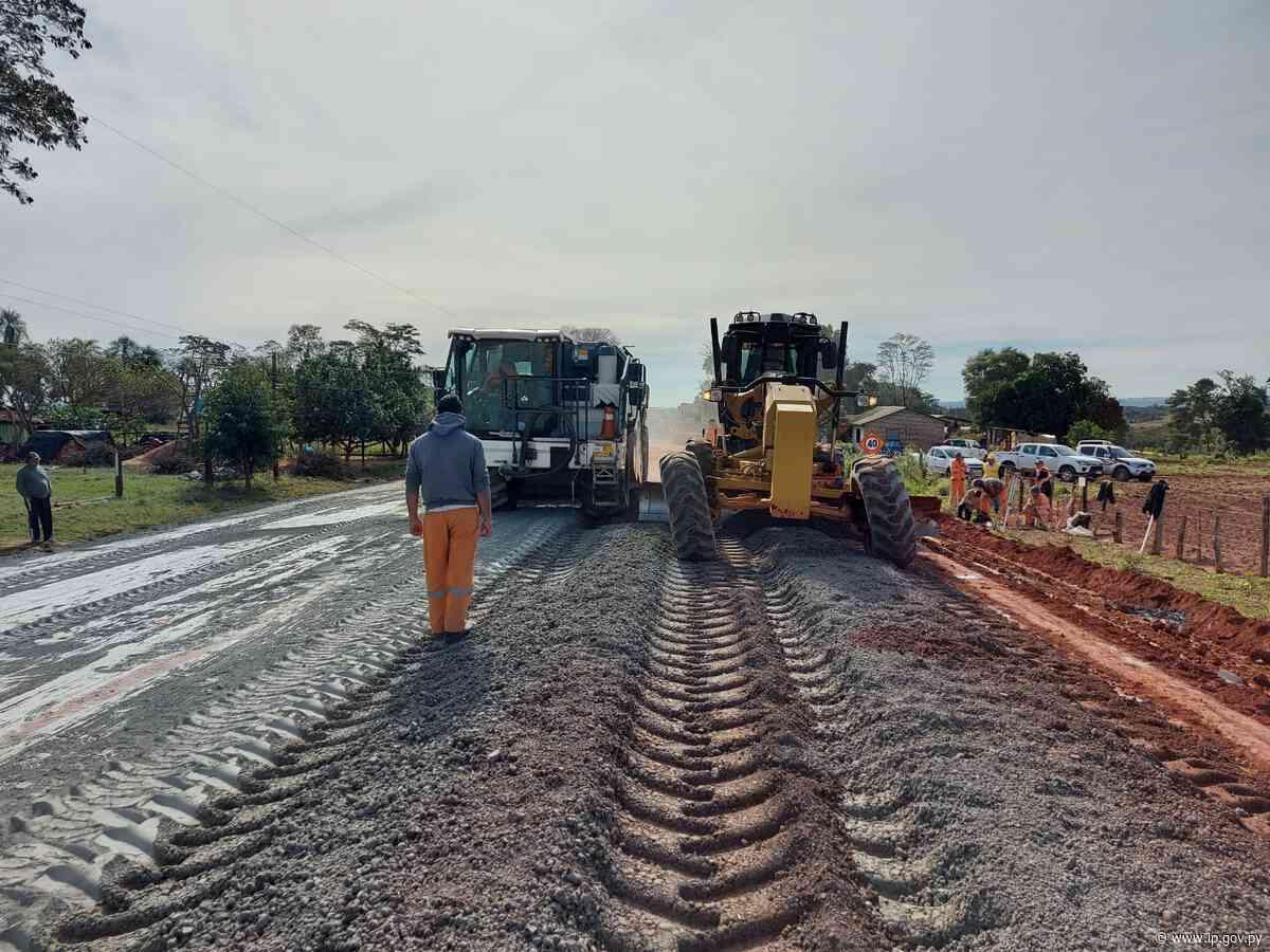 Construcción de nuevos asfaltados en San Pedro y Caaguazú tiene 57% de avance promedio | - ip.gov.py