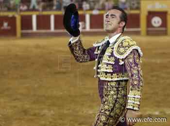 Ocho orejas y un lamentable espectáculo a caballo en Fuengirola (Málaga) - Agencia EFE