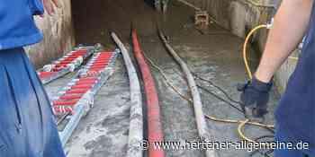 Herten: Mit schwerem Gerät gegen die Wassermassen - Hertener Allgemeine