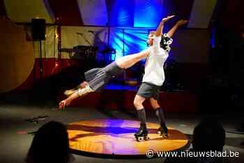 Burlesque, rolschaatsen en acrobatie in de circustent van Bonte Avonden