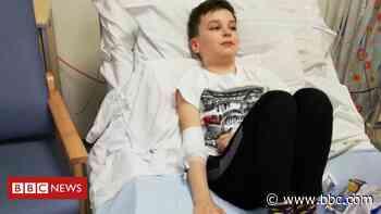 Coronavirus: Mum urges 'get jab' after son hospitalised - BBC News