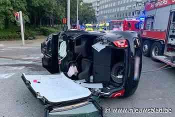 Vrouwen en baby naar ziekenhuis na auto-ongeval