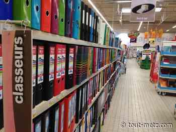 Distribution de fournitures scolaires aux collégiens de Moyeuvre-Grande - Tout-Metz