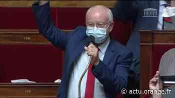 À l'improviste, le député de la Réunion Jean-Luc Poudroux demande qui est vacciné dans l'hémicycle de l'Assemblée nationale - Actu Orange