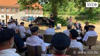 Plau am See: Shantychor Plau: Erster Auftritt nach Corona-Pause | svz.de - svz – Schweriner Volkszeitung