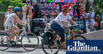 Big rise in UK weekend cycling amid calls for more investment - The Guardian