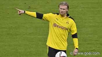 Haaland signs shirt of child pitch invader during Borussia Dortmund friendly