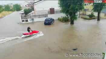 """Incredibile sul Gargano, con la moto d'acqua tra le strade allagate come al mare: """"Benvenuti a San Giovanni Rotondo"""" - FoggiaToday"""