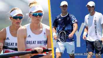 Tokyo Olympics: Helen Glover and Polly Swann into semi-finals, Andy Murray and Joe Salisbury win - BBC News