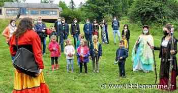 À Landivisiau, une balade contée fort appréciée par de très jeunes Landivisiens - Le Télégramme