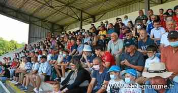 Landivisiau - À Landivisiau, 1 000 spectateurs ont assisté à la rencontre entre Brest et Saint-Brieuc [En images] - Le Télégramme