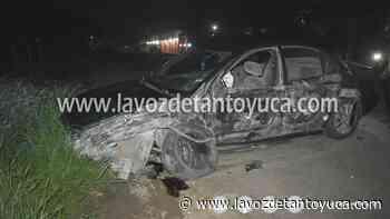 23/07/2021 Camión destroza auto compacto; un lesionado - La Voz De Tantoyuca