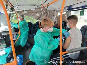 Reduzierte Öffnungszeiten im Impfzentrum Attendorn: Corona-Impfung im Linienbus - Siegener Zeitung