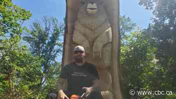 Dorval bear memorialized in 200-year-old tree trunk by local wood carver