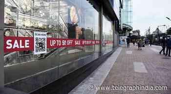 Covid: Low footfall in mall sale season, stocks move online - Telegraph India