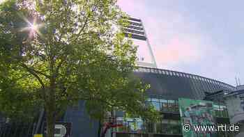 Fußball-Fans können sich vor Spiel Werder Bremen gegen Hannover 96 am Weser-Stadion impfen lassen - RTL Online