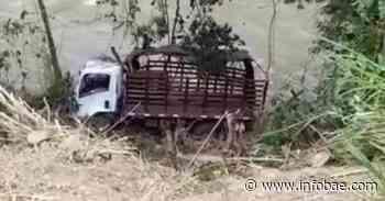 Atentado contra comisión de restitución de tierras en Bugalagrande deja un policía muerto - infobae