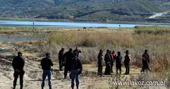 Día 40 sin rastros de Guadalupe Lucero: ahora, la buscan con ocho buzos y un robot submarino - La Voz del Interior