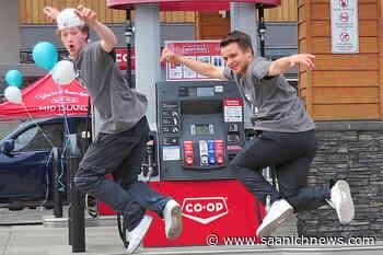 Vancouver Island hip hop dance duo Funkanometry promotes ice cream dream - Saanich News