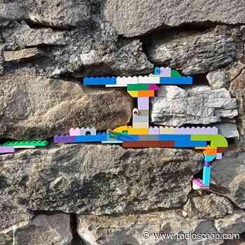 Bourg-en-Bresse : des légos pour réparer les fissures et les trous en ville - Radio Scoop