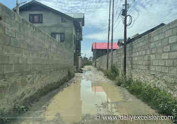 Usman Abad Colony residents rue pathetic condition of roads - Daily Excelsior