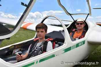Les jeunes titulaires du BIA en stage à l'aérodrome d'Issoire-Le Broc (Puy-de-Dôme) - La Montagne