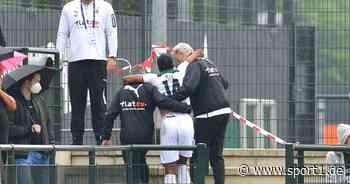 Borussia Mönchengladbach gewinnt gegen Metz, Pléa am Knie verletzt - SPORT1