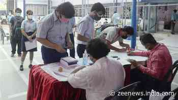 After announcement of CISCE results, CBSE Board students wait out for their turn