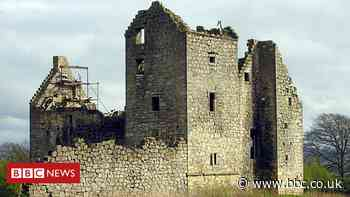 Large stones stolen from wall at Torwood Castle