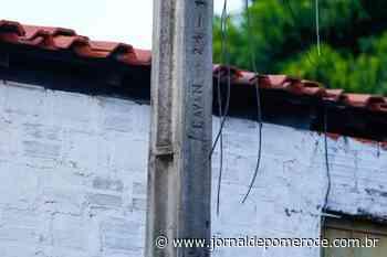Homem é flagrado em cima de poste, furtando a fiação - Jornal de Pomerode