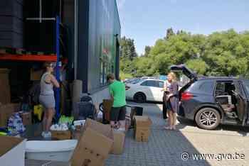 Konvooi met hulpgoederen welkom in buurt Durbuy (Aartselaar) - Gazet van Antwerpen Mobile - Gazet van Antwerpen