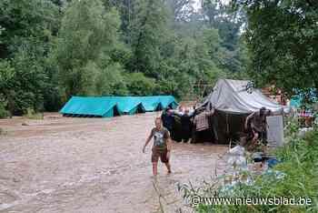 """Kamp van scouts uit Steenokkerzeel onder water gelopen tijdens bezoekdag, alle kinderen geëvacueerd: """"Nog nooit dergelijke extreme regenval meegemaakt"""""""
