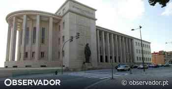 """Incêndio controlado no Palácio da Justiça do Porto. """"Foi mais fumo do que fogo"""", diz Rui Moreira - Observador"""