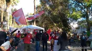 Ato contra o presidente Bolsonaro reúne manifestantes no centro de Nova Friburgo, RJ - G1
