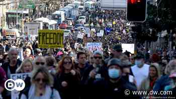 Coronavirus digest: Top Australian official 'disgusted' by Sydney protests - DW (English)