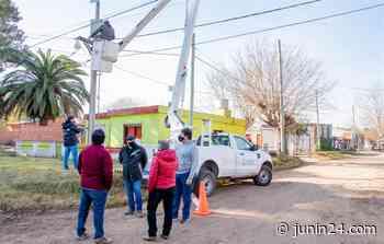 """Instalan otras dos cámaras de seguridad en el barrio """"Ricardo Rojas"""" - Junín 24"""