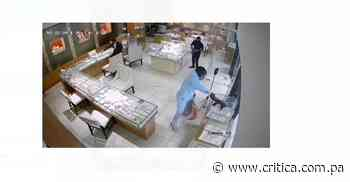Dejan guardado a taxista por robo a joyería en Bella Vista - Crítica Panamá