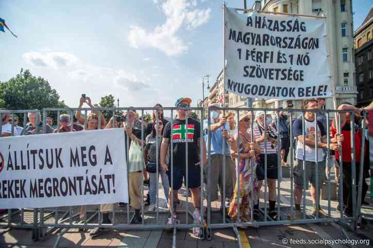 30,000 in Budapest Stand Up for LGBT Rights in Hungary