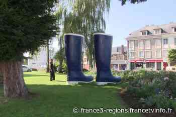 Art contemporain XXL dans les rues de Pont-Audemer - France 3 Régions